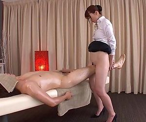 Subtitled traditional Japanese bottomless massage Yui Hatano - 5 min HD