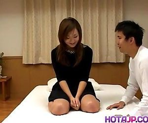 Young Yumi feels eger to swallow - 8 min