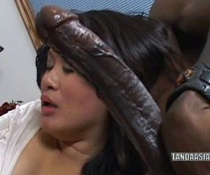 Curvy cutie Kiwi Ling is on her knees and sucking dick - 6 min HD